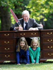 Pictured is Mr David Bell, aged 91, the oldest practising solicitor in Ireland from Moriarty & Company, Anglesea Street, D2 at the launch of the campaign with his granddaughters Emily & Jessica.
